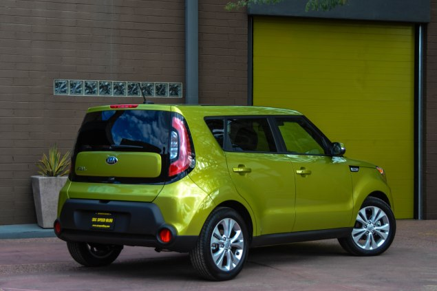 Its got soul 2014 kia soul six speed blog 2014 kia soul for this week we have the soul middle range model that offers up an array of stylish features ours was sporting the alien 2 green paint sciox Choice Image