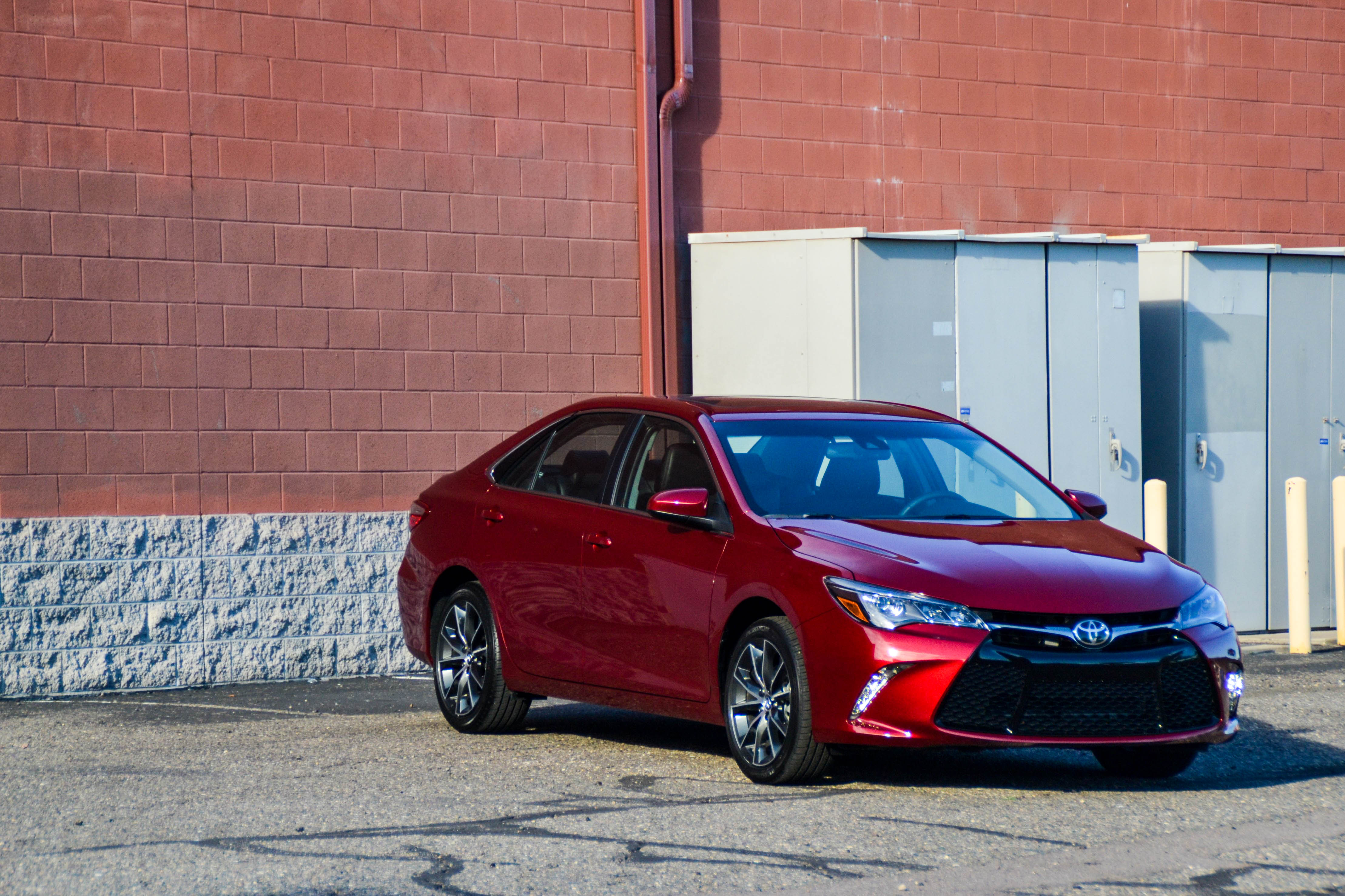 First Drive 2015 Toyota Camry Xse V6 Six Speed Blog