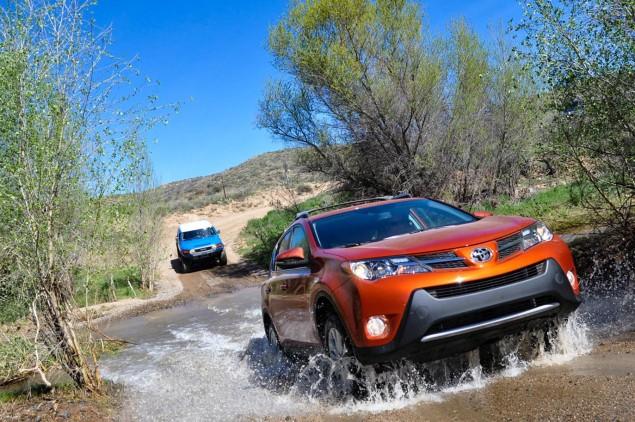 2015 Toyota RAV4_02
