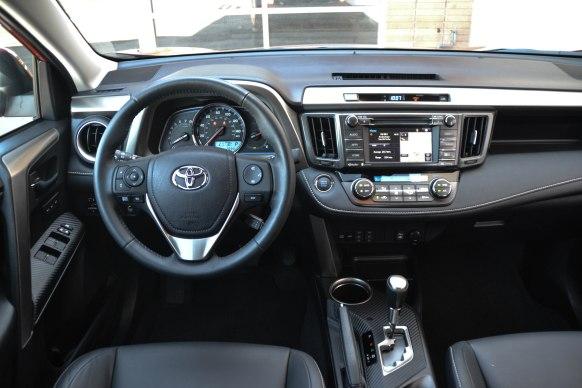 2015 Toyota RAV4_27