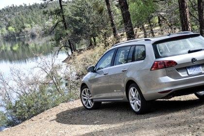 2015 VW Golf SportWagen_09