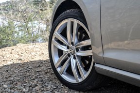 2015 VW Golf SportWagen_14