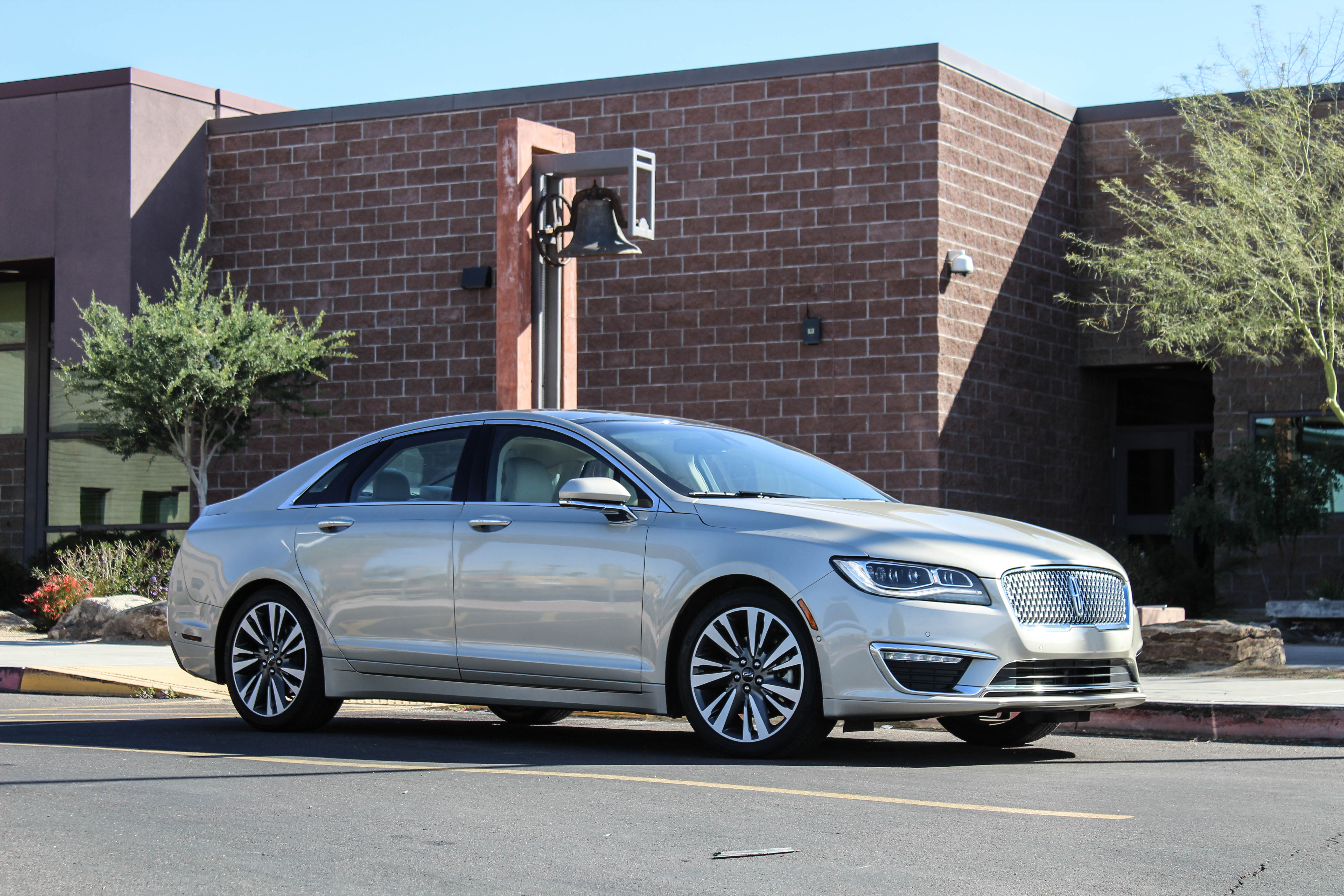 their sized lincoln premium speed when ford trimmed reserve detroit riding top titanium and always the line struggled fine class six mkz has that of with used mid luxury img to came fusion it blog