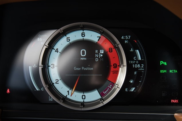 2019_Lexus_LC_043_49AA10ED816ABF8ACA0305EF0A736DC3423144B3